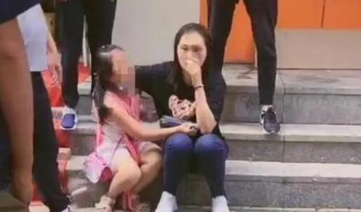 哈尔滨香坊区:女孩被泰迪咬伤,妈妈遭暴打