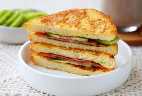 万能的面包做早餐7天不重样 再来一杯南瓜豆浆太完美了