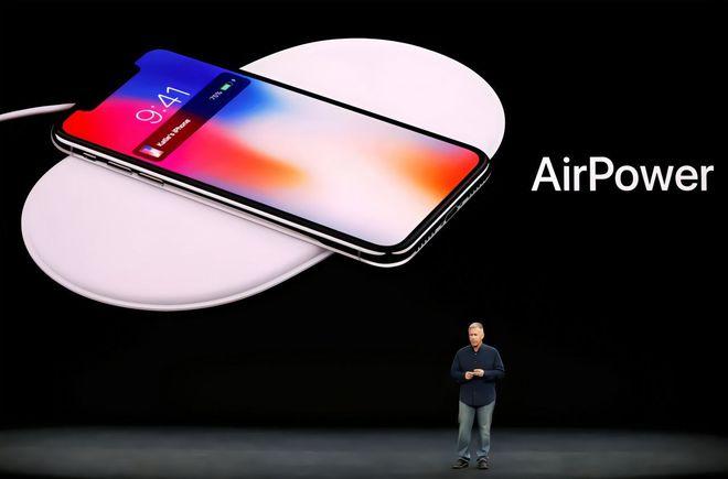 AirPower 无线充电板:可同时为三款苹果设备充电