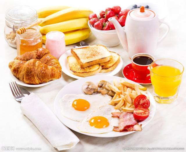 不吃早餐的这三种危害 你承受不起!便秘、低血糖等